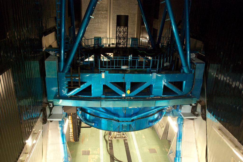 すばる望遠鏡本体
