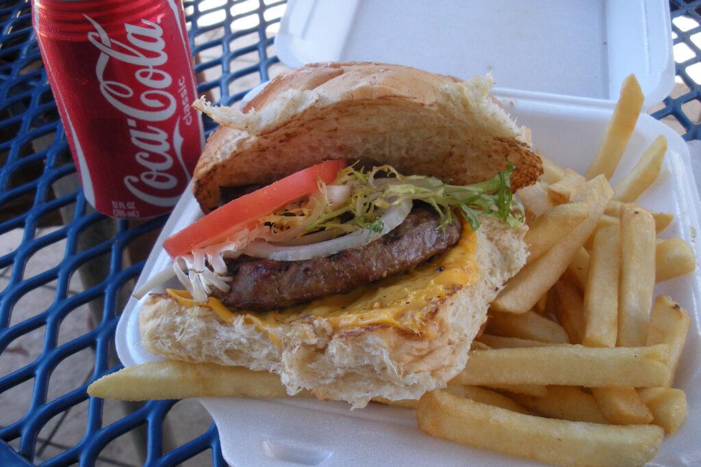 テッズ・ベーカリーのハンバーガー
