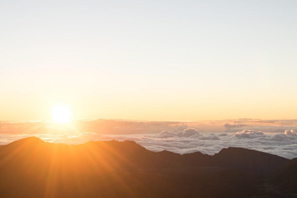 ハレアカラ山頂からみる日の出